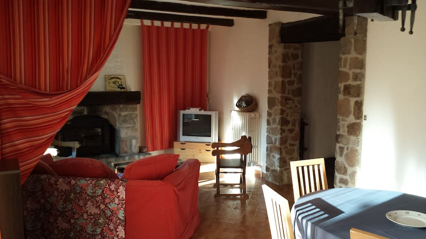 4 rooms apartment with garden - Guillaumes - Apartment