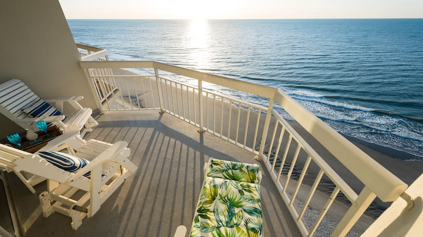 Water's Edge Resort Suite 1504 1BR/2BA Oceanfront