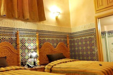 Dar Al Madina Al Kadima - Ev