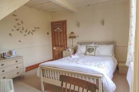 Gorgeous double room for female guests.
