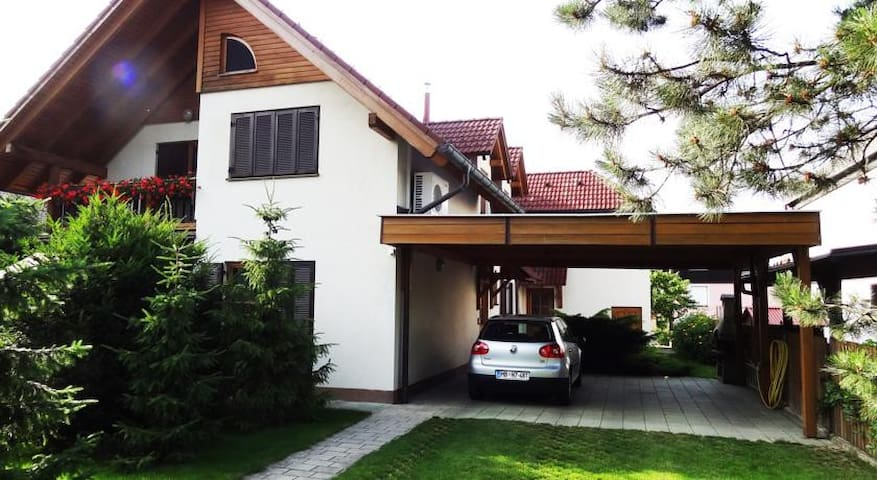 Apartment Jurič - Private apartment with a garden