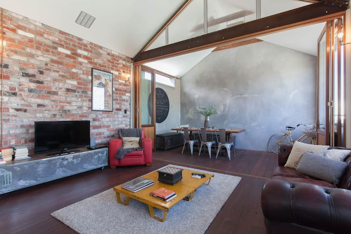 Amazing Mt Lawley Loft Apartment - Mount Lawley