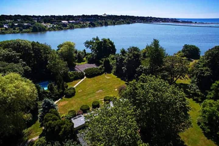 #2 Waterfront Paradise Relax Near Downtown!
