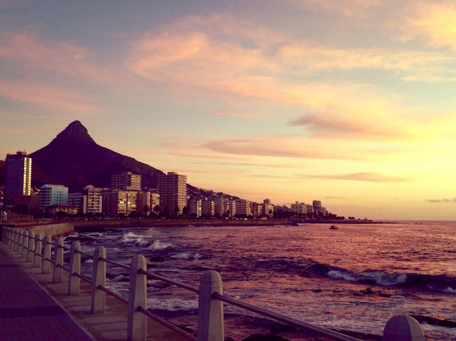 Mouille Point/Sea Point Promenade and beach front is on your doorstep, just across the road!  Great for running, leisurely strolls and taking in some of the best sunsets Cape Town has to offer!