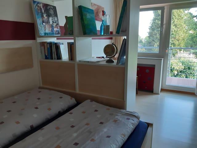 Düsseldorf-Hilden, Doppelzimmer, ruhig, Südbalkon