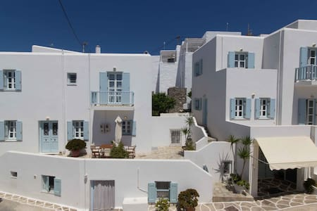 Cycladic Maisonette 1 with view in Naoussa