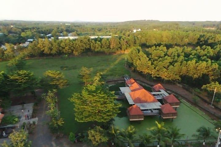 Hippo Farm : family horse riding resort !