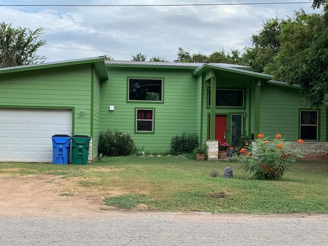 Retro 60's new house on a quiet street within walking distance of downtown.