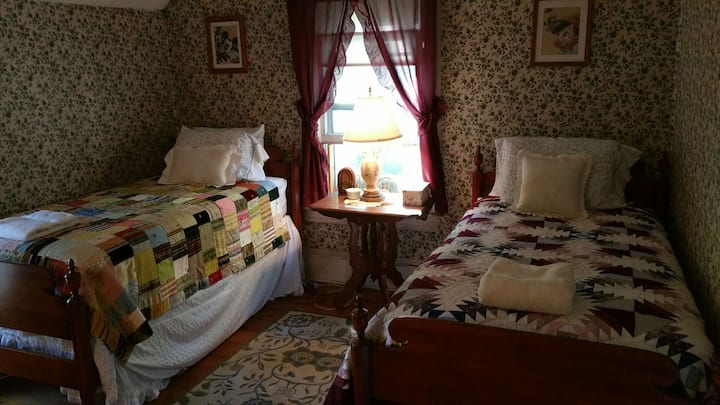 The Greene House Inn - Twin Room