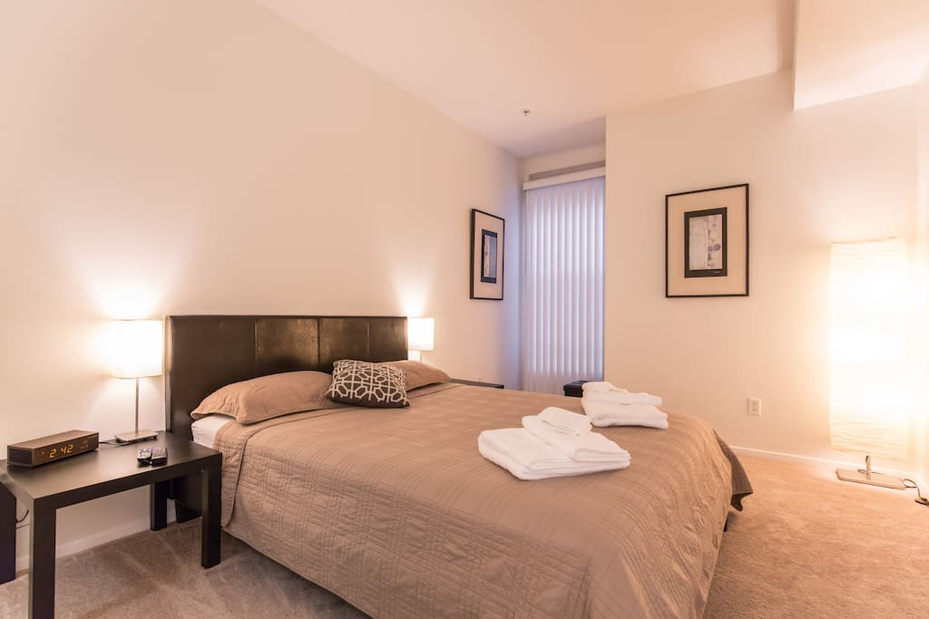 Hollywood Master Bedroom W Private Bath Flats For Rent In Los Angeles California United States
