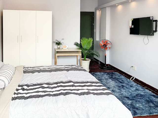 *NEW* Clean Cozy Studio Near China Town - Smiley71