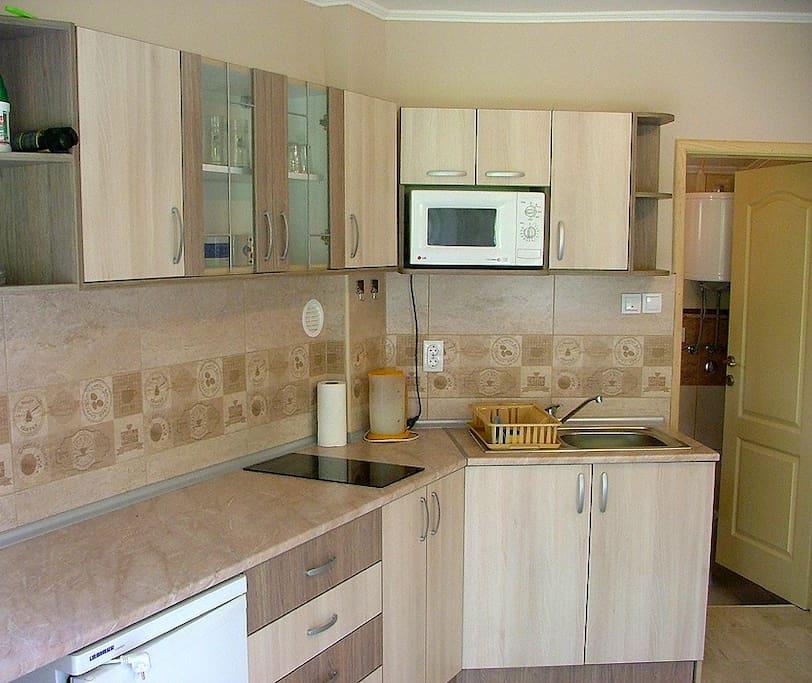 Vollausgestattete neue Küche, ca 20m2