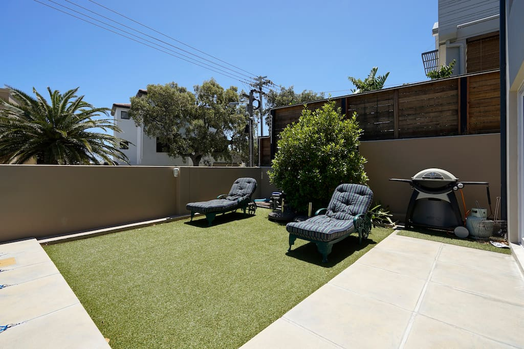 Front pool area with gas braai (barbeque).