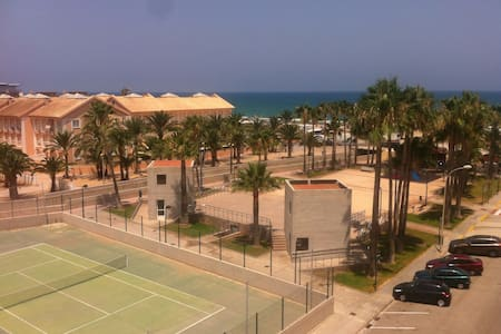 2 bed beachside appt & pool - Appartement