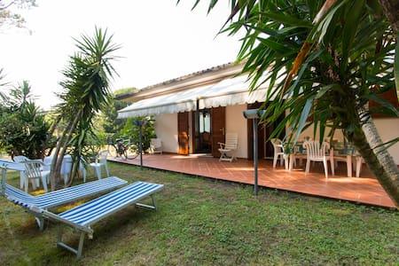 Villa Cinquale near Forte dei Marmi - Montignoso - Villa