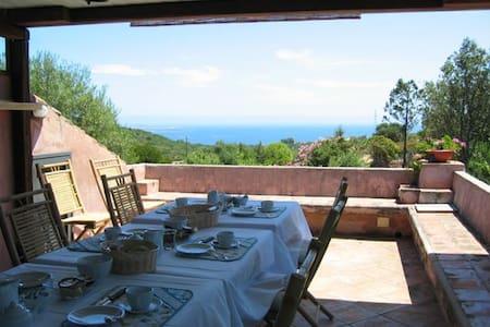 B&B le corti di aloa - camera 1 max 2 persone - San Pantaleo - Bed & Breakfast