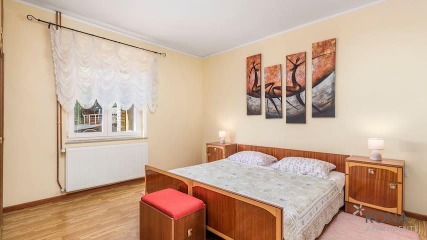 Rona Vintage apartment Marin