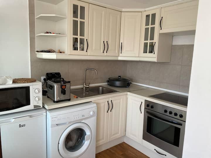 Apartamento  con cocina equipada
