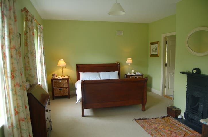 Rinneen House Moycullen Co Galway. - Moycullen