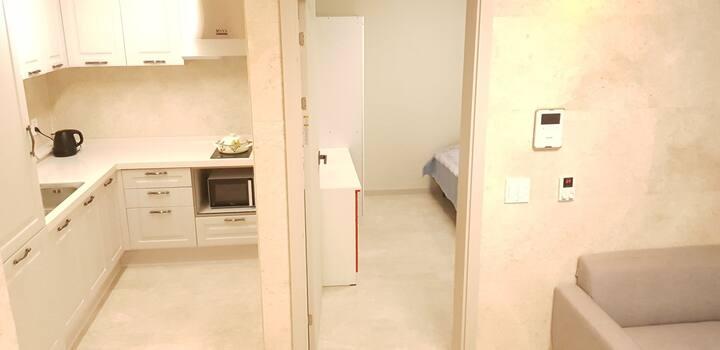 에버그린^^ 안전하고 편안한 휴식공간~~ 대청역 3분거리~ 아파트형 2룸빌라입니다.