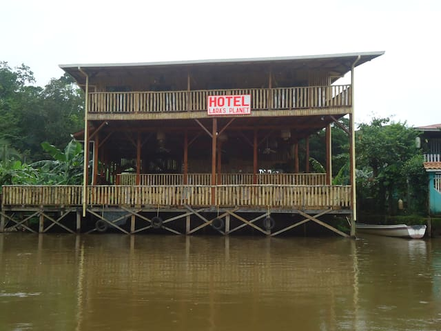 "River view room w/ balcony ""Mymo"""