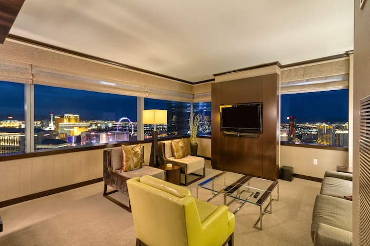 Big 2 BR Vdara Penthouse! Bellagio Fountain Views!