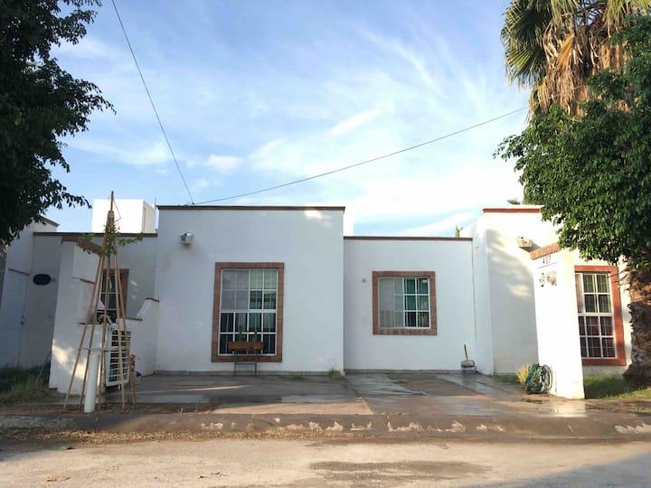 Casa Residencial privado (segura/cómoda)