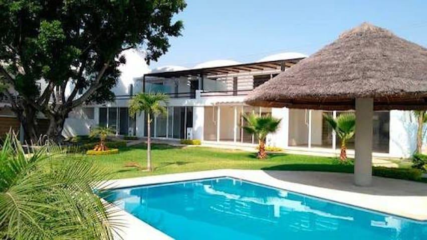 Hermosa casa con alberca climatizada en Cocoyoc