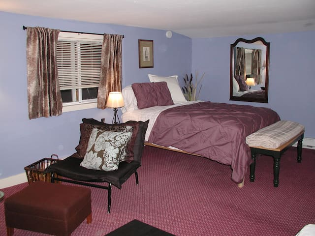Cozy 2BD all amenities and parking - Raymond - Leilighet