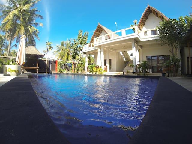 Superior Double Bed.Pool&free wi-fi - Pemenang  - Pousada