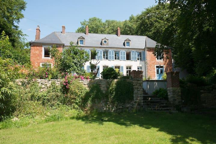 gite au château, 18 km de Wissant - Hardinghen - Şato