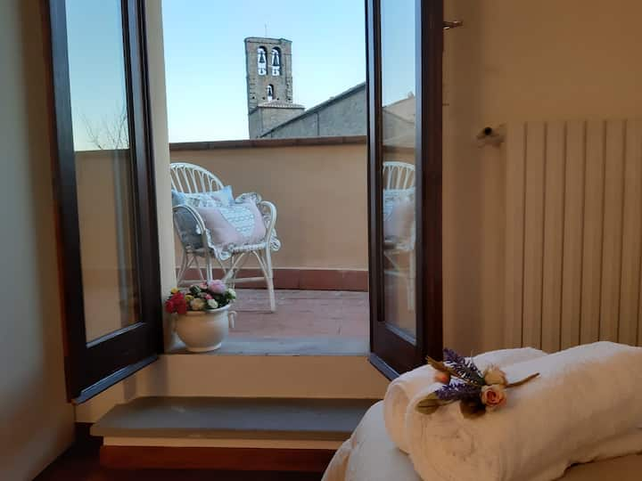 Cortona's Rooftop Nest