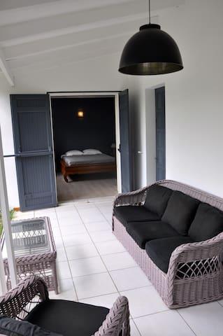 VILLA AU CALME A 2 PAS DU LAGON - La Saline-Les-Bains - Villa