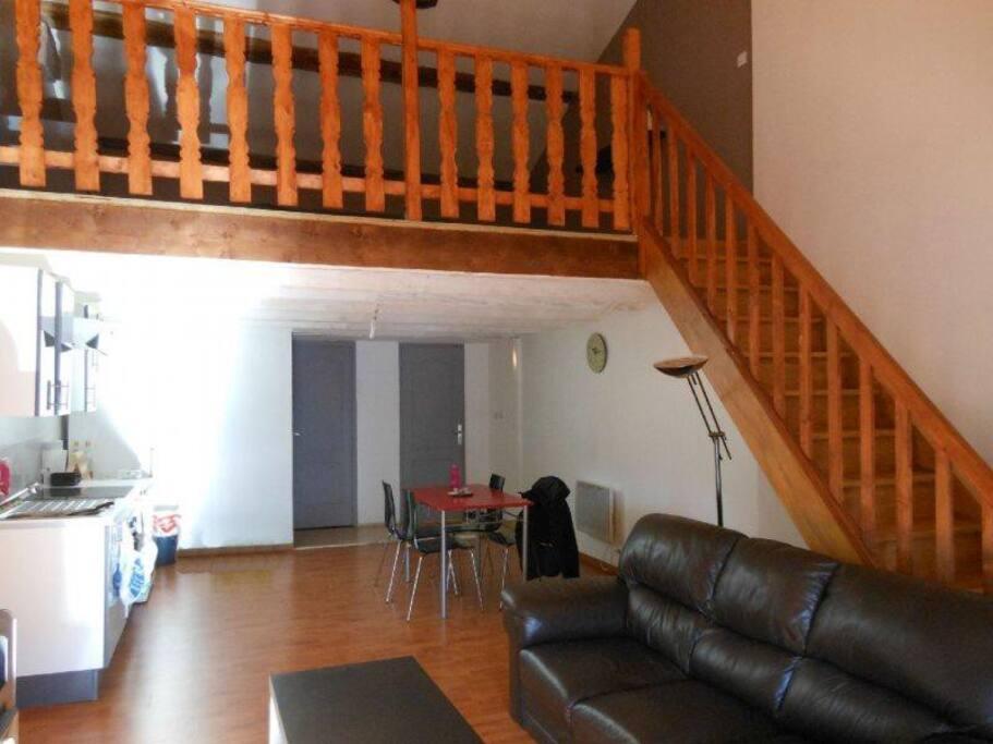 Loft de 80 m tre carr appartements louer noves - Loft salon de provence ...