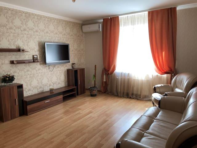 Зручна 2-х кімнатна квартира в районі автовокзал