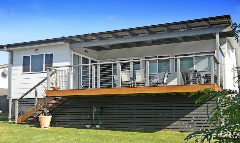 'HUGO'S' - is DOG FRIENDLY - Merimbula - House
