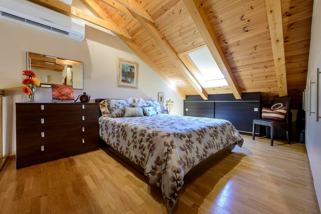Bedroom on top for 2 persons