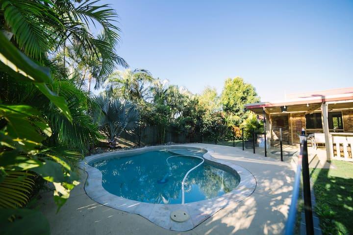 Affordable Surf Beach Family Home - Cabarita Beach - House
