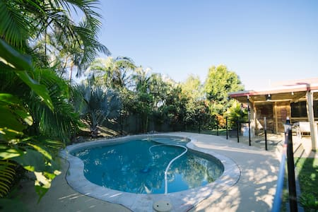 Affordable Surf Beach Family Home - Cabarita Beach - Casa