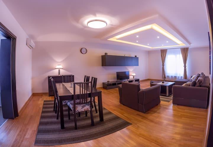 ApartHotel FeelBelgrade - 2 bedroom apartment A208