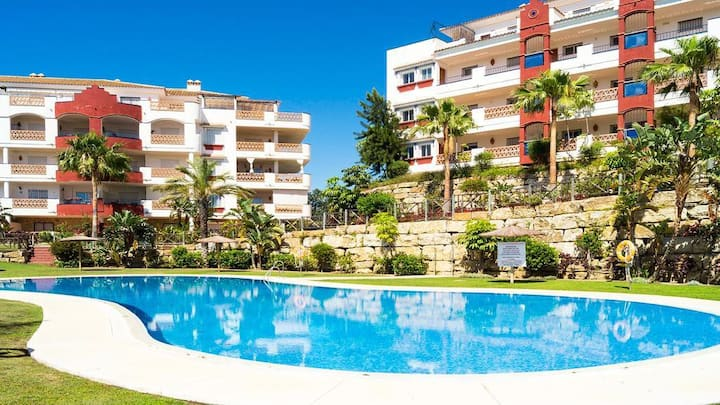 Lovely 2BR Apartment in Riviera del Sol