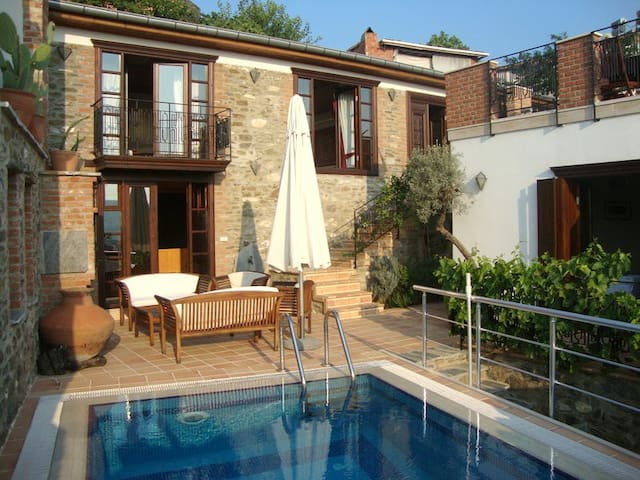 Luxury home, private pool and sauna - Selçuk - Haus