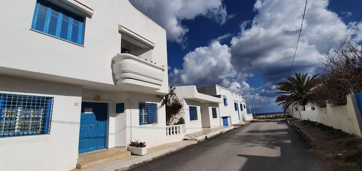 Maison spacieuse a kelibia á 30 mètres de la plage