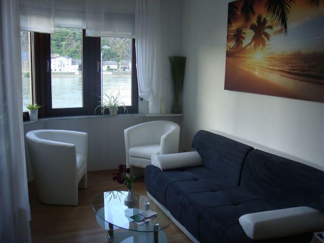 Panorama-Rheinblick - Sankt Goar - House