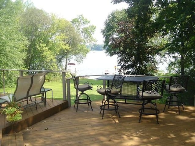 2017 US Open Lake Home just 7miles from Erin Hills - Hartland