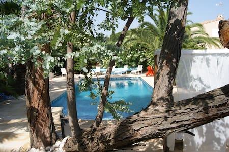 chambre  2 personnes avec piscine - Agde - House