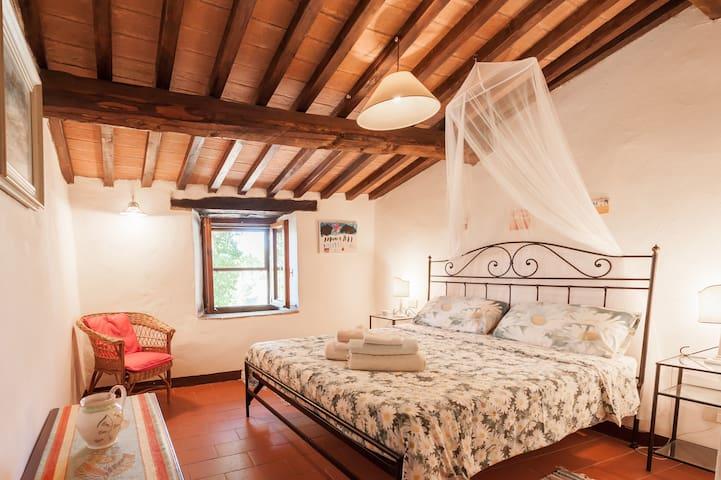 Bedroom 3 (with en suite)