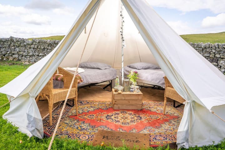 Boutique Bell Tent in Elsdon. Real Beds & Electric
