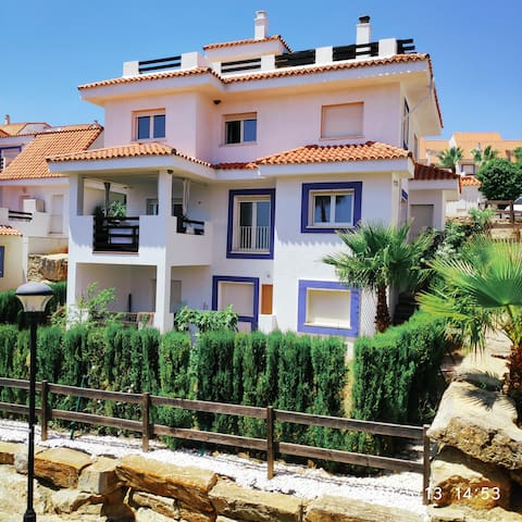 Manilva 300m2 Peaceful Villa with Seaview & Garden