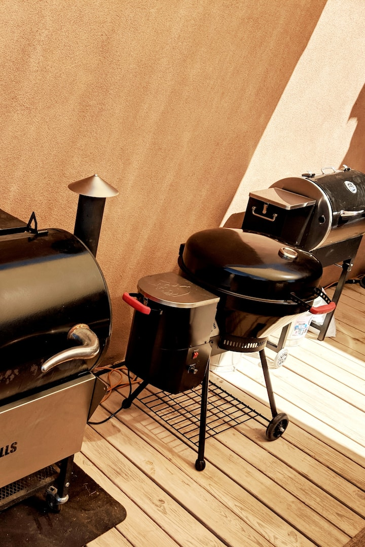 Six Pellet Smokers for Class